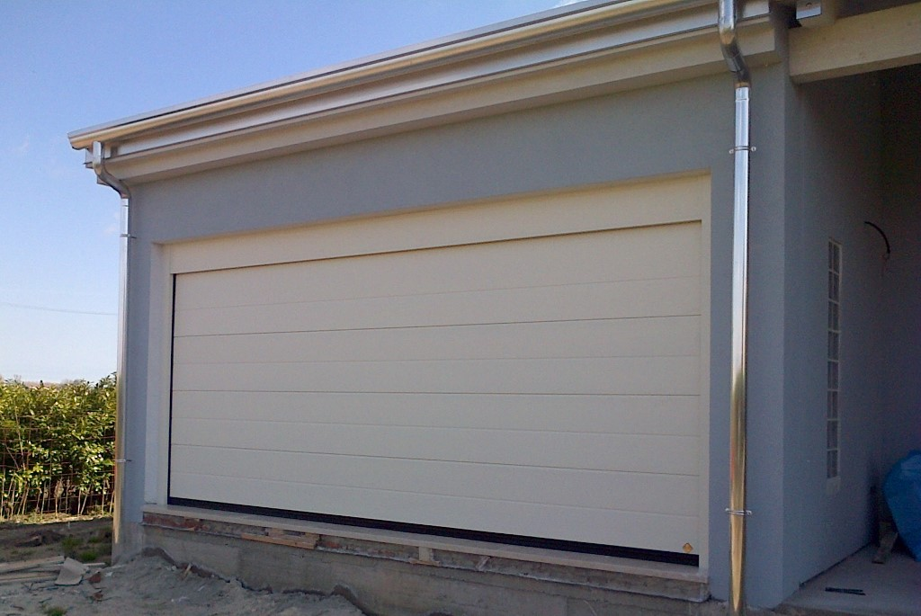 portoni sezionali - Sectional doors