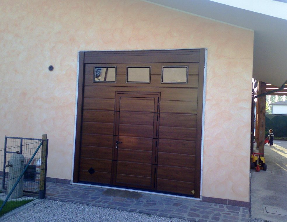 portoni-sezionali-per-garage