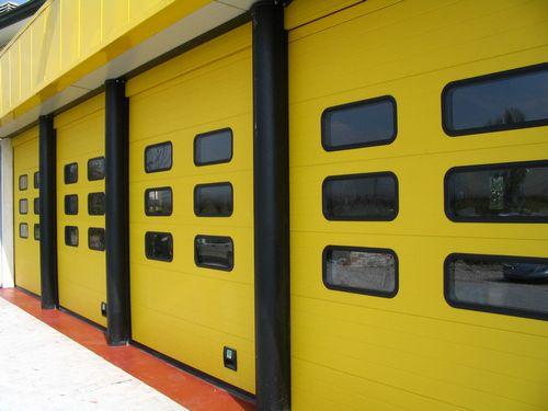 Porte esterne per capannoni industriali